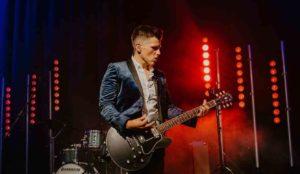 Helix wedding singer and guitarist plays a wedding in Harrogate